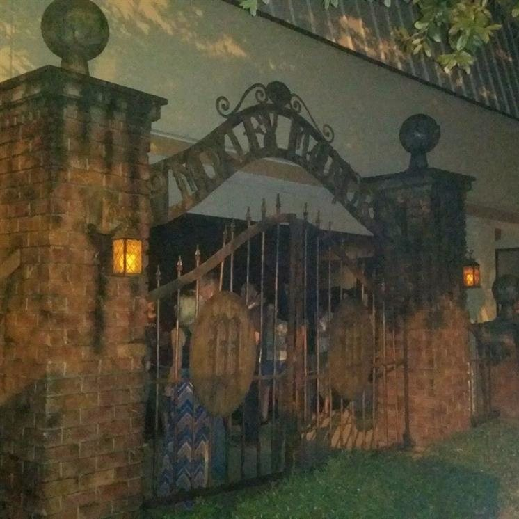 Moxley Manor Haunted House In Bedford TX